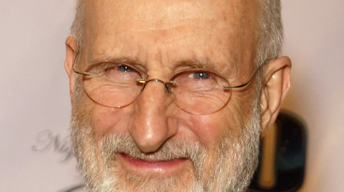 """Vegan """"Babe"""" Actor James Cromwell Receives Award For His Animal Rights Activism"""