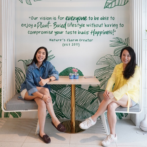 Vegan Sisters Open a New Cafe In Thailand